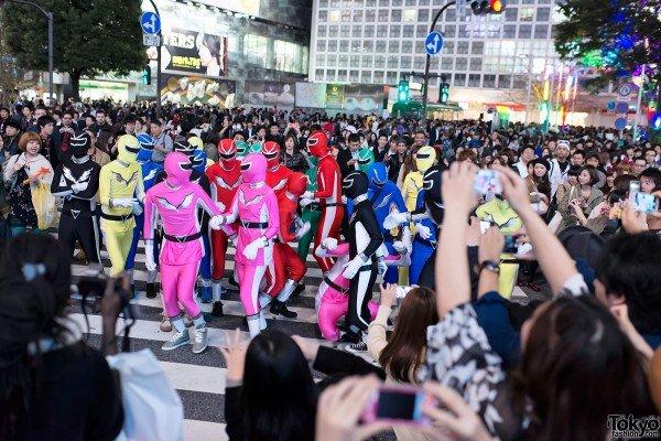 Shibuya-Halloween-Costumes-2012-036-600x400
